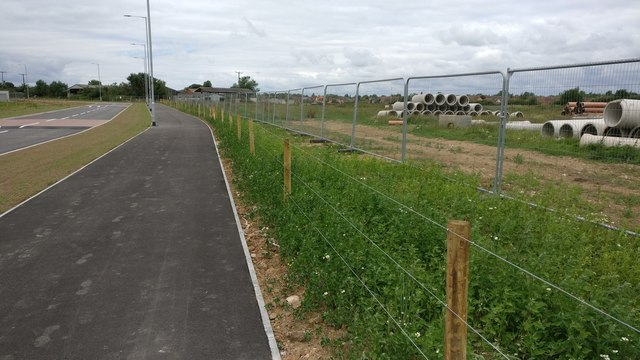 New road and cyclepath at New Lubbesthorpe