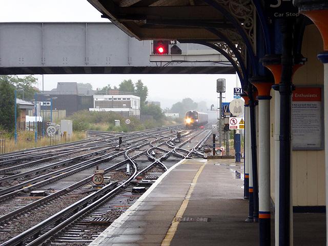 A train approaching Eastleigh