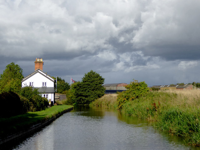 Canal and cottage near Tetchill in Shropshire