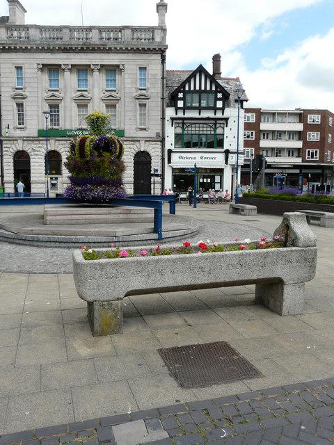 Floral crown, Market Square