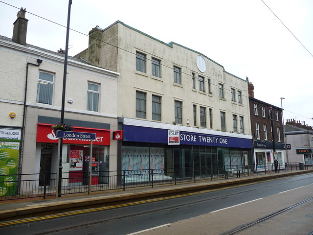 Retail unit to let, Lord Street, Fleetwood