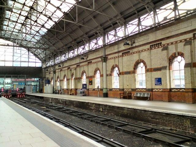Piccadilly platforms 1 & 2