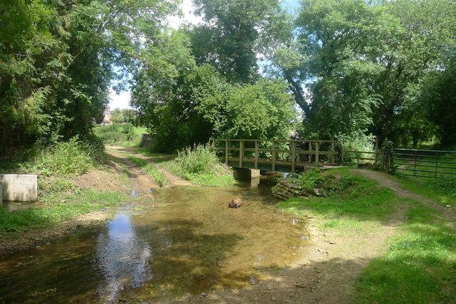 Ford and footbridge over Glen Brook, Little Bytham