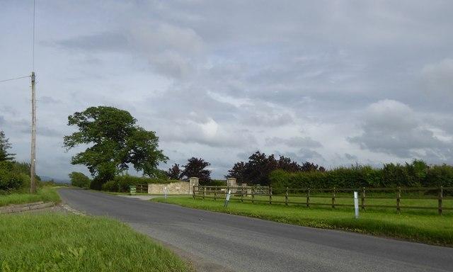 Hayleyian farm entrance, Broughton Gifford