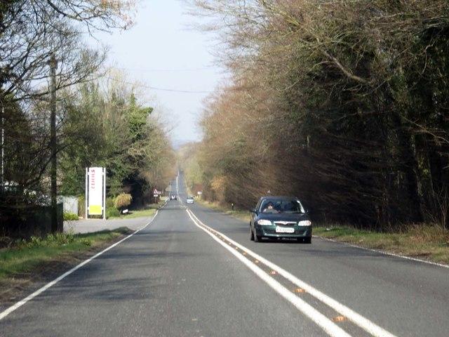 Basingstoke Road heading towards Basingstoke