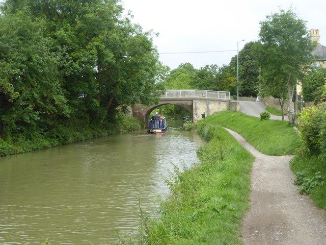 Widbrook Bridge (A363) over canal
