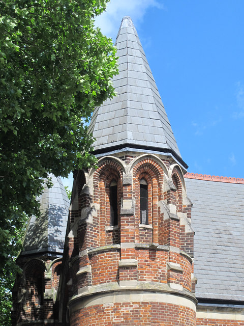 Woodberry Down Baptist Church, Seven Sisters Road, N15 - turret / spire
