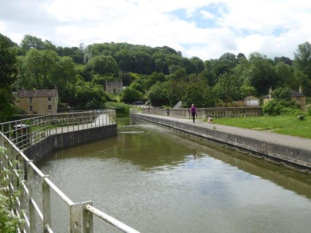 Avoncliff aqueduct over River Avon