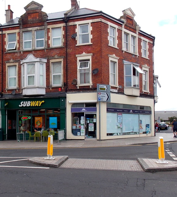Subway and Mother Earth in Exmouth town centre