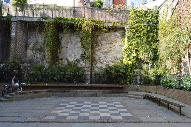 Gardens, George St