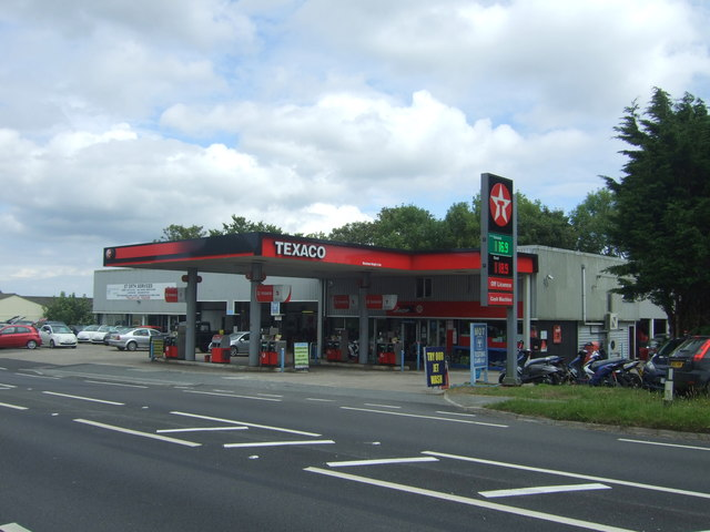 Service station on the A30, Rose-an-Grouse