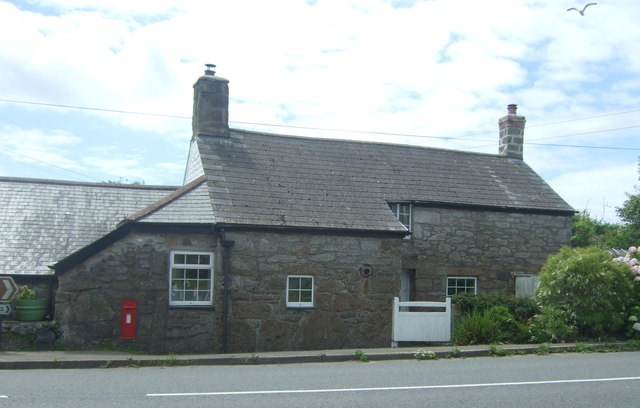 Cottage on the A30, Crows-an-wra