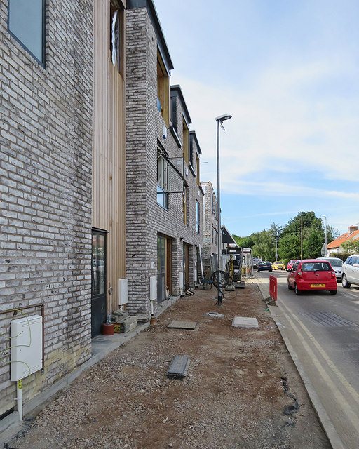 Great Shelford: building new flats on Station Road
