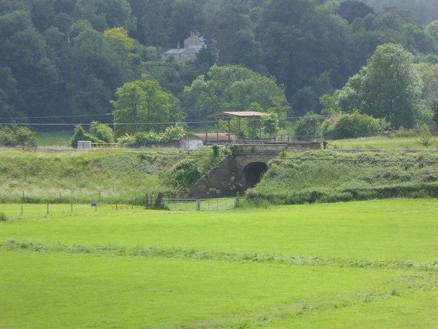 Railway bridge over farm track, near Freshford