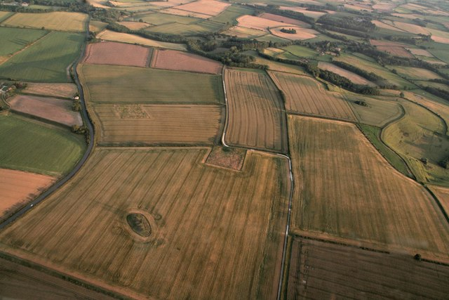 Spellow Hills long barrow, looking towards Langton: aerial 2017