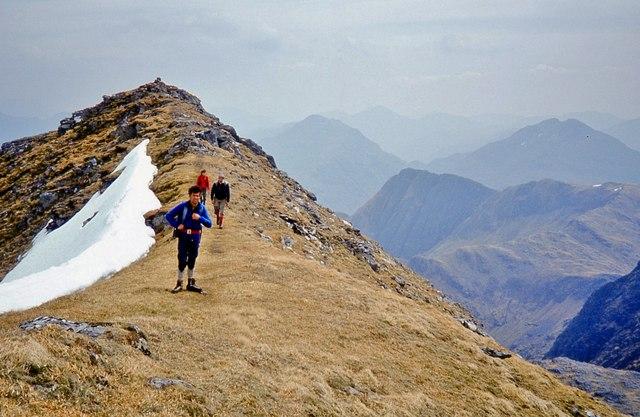 The summit ridge of Ladhar Bheinn