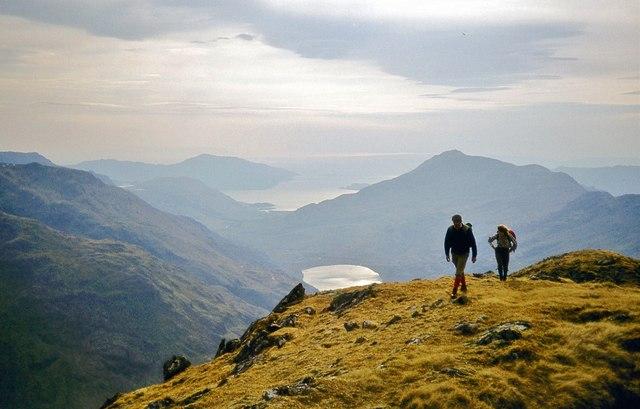 The summit ridge of Luinne Bheinn