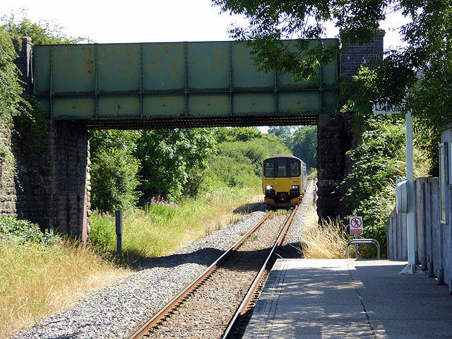 A train for Gloucester approaching Chetnole Station
