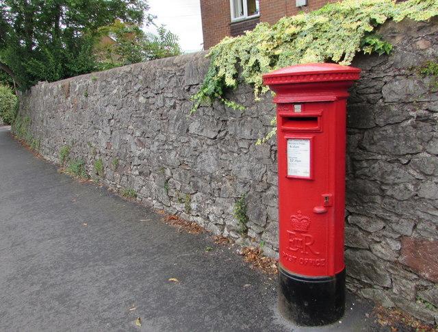 Queen Elizabeth II pillarbox, Rolle Road, Exmouth