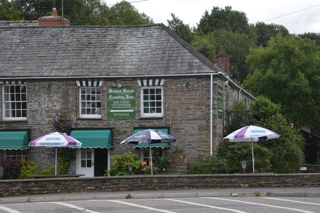 Sladesbridge : Slades House Country Inn