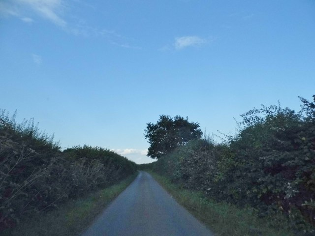 The road to Trowley Bottom