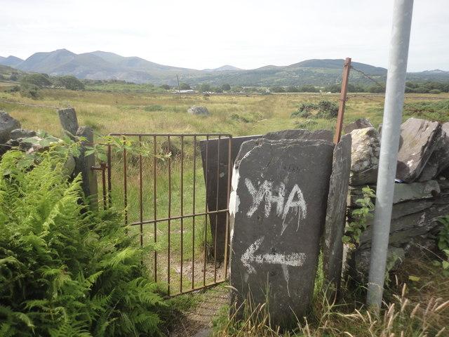 Kissing gate leading into field, Llanllechid