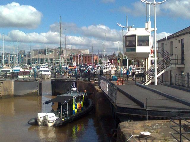 Police boat in Humber Dock Lock