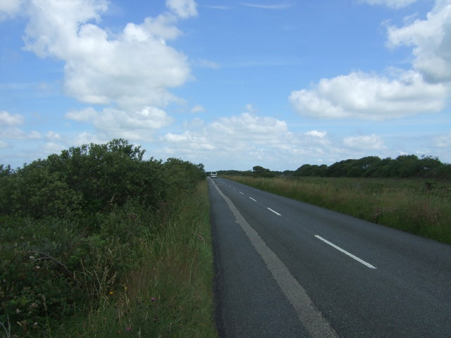 Minor road, Goonhilly Downs