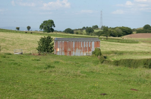 Rusty shed beside South Craigton