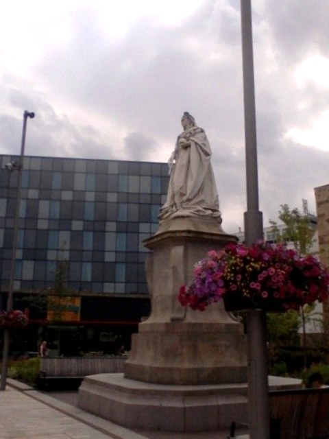 Queen Victoria statue, The Boulevard, Blackburn