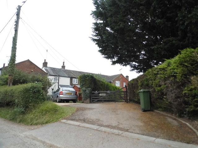 Houses on Studham Lane, Dagnall