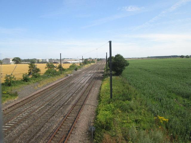 The railway, southeast from Chapman's Bridge