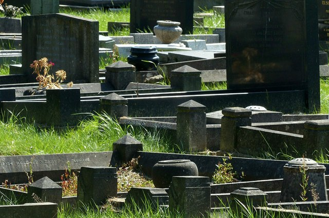 Light and shade, Heanor Cemetery