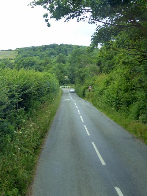 Road towards Chillerton