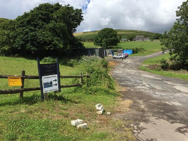 Entrance to Tyler Fedwen Farm