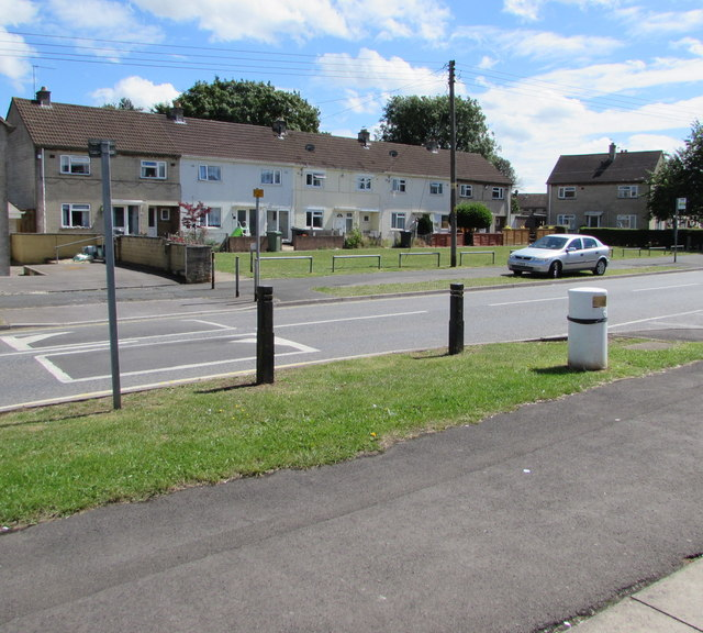 Row of houses, Cranleigh Court Road, Yate