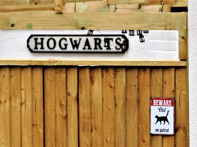 Hogwarts and cat patrol signs in Long Lane, Sedlescombe