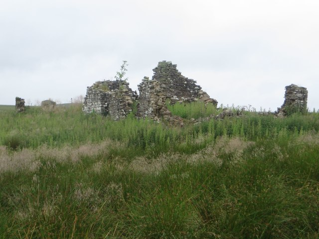 Ruined building at Haining Head