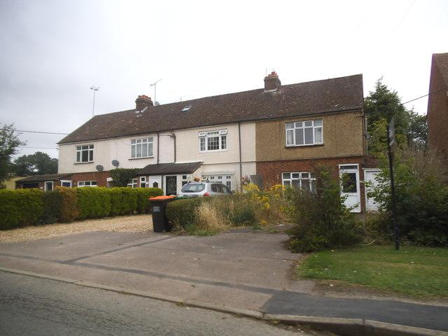 Houses on Mancroft Road, Aley Green
