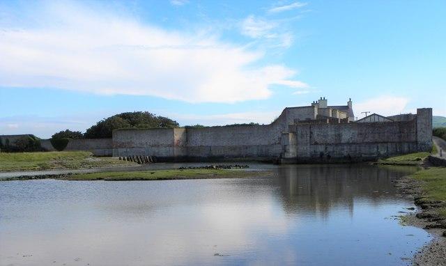 The high walls of Bryn Aber