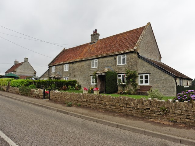 Cottages on the B3153