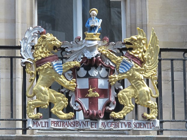 Coat of arms on (the former) Holborn Town Hall