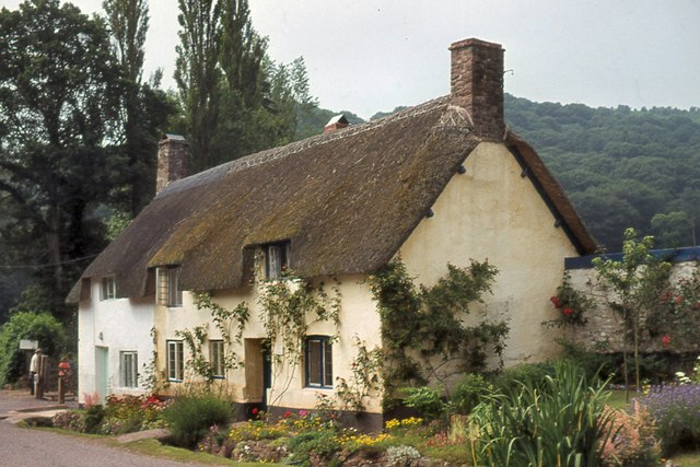 Cottages In Park Street