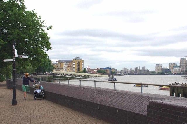 Thames Path Near Surrey Docks