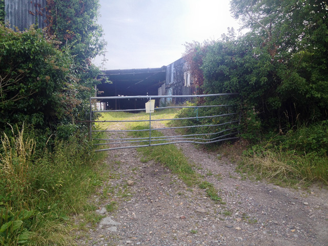 Large corrugated barn complex on Toft's Hill