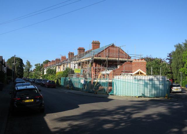 Houses under construction, Eltisley Avenue