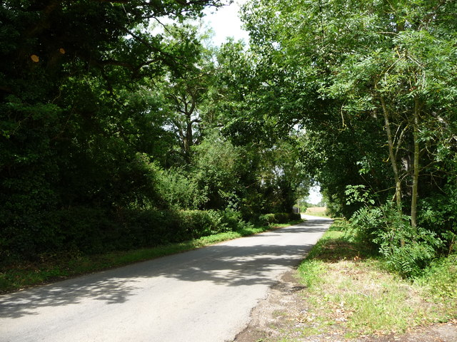 Finningham Road, heading west to Cranmer Green