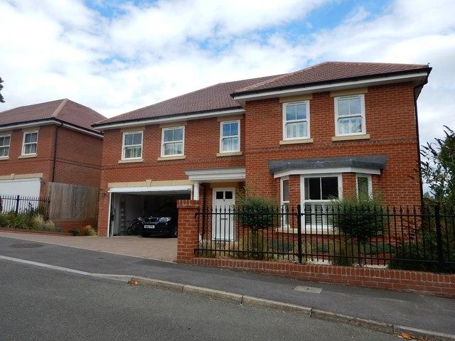 Sunninghill - Holmes Close