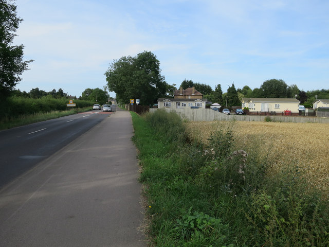 Cycle path by Histon Road