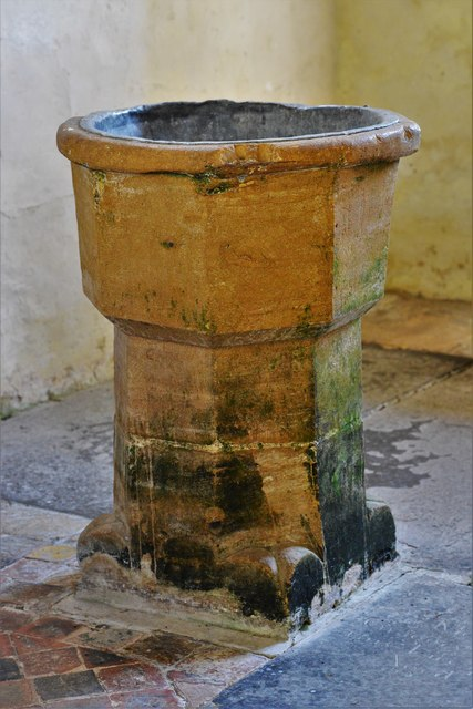 Hailes Old Church: c13th font 3